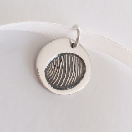 circulare fingerprint pendant